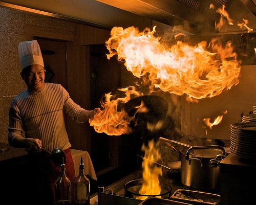 フリー画像| 人物写真| 一般ポートレイト| 調理師/コック| 働く人| 火/炎|