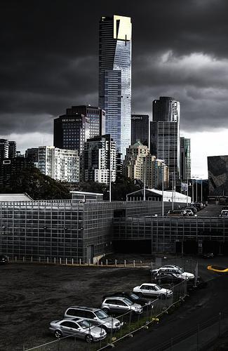 フリー画像  人工風景  建造物/建築物  街の風景  ビルディング  暗雲の風景  エウレカタワー  オーストラリア風景  メルボルン 