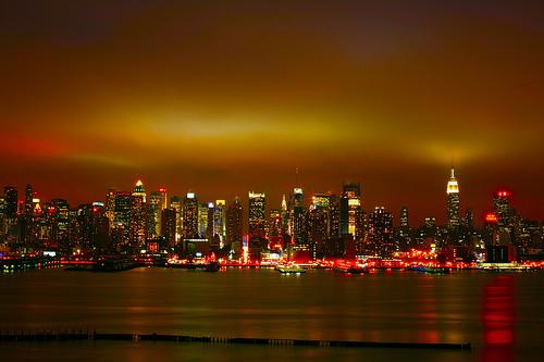 フリー画像| 建造物/建築物| 街の風景| ビルディング| 夜景| アメリカ風景| ニューヨーク|     フリー素材|