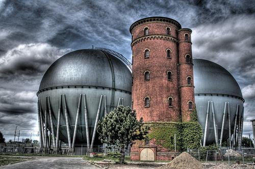 フリー画像| 人工風景| 建造物/建築物| 工場の風景| 石油タンク| HDR画像| ドイツ風景|     フリー素材|