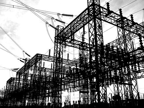 フリー画像| 人工風景| 建造物/建築物| 工場の風景| モノクロ写真|       フリー素材|