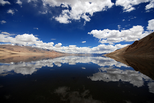 フリー画像| 自然風景| 湖の風景| 空の風景| 雲の風景| インド風景| 青色/ブルー| ツォ・モリリ|    フリー素材|