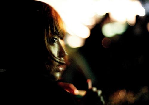 フリー画像| 人物写真| 女性ポートレイト| アジア女性| 横顔| ショートヘアー| 日本人|     フリー素材|