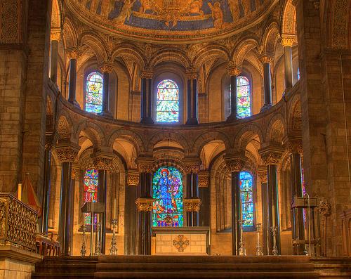 フリー画像| 人工風景| 建造物/建築物| インテリア| 教会/聖堂| HDR画像| オランダ風景| 聖母マリア教会| ステンドグラス|