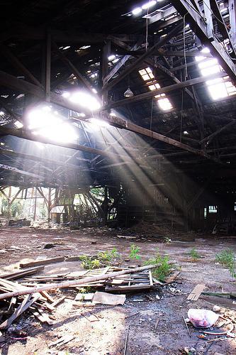フリー画像| 人工風景| 建造物/建築物| 工場の風景| 廃墟/廃屋| 太陽光線|