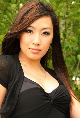 フリー画像| 人物写真| 女性ポートレイト| アジア女性| ロングヘアー| ドレス|