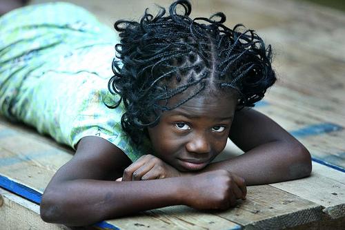 フリー画像| 人物写真| 子供ポートレイト| 少女/女の子| 外国の子供| アフリカの子供|