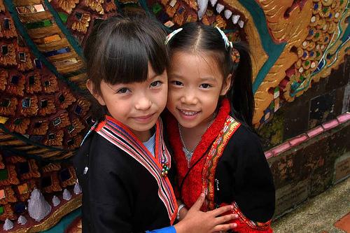 フリー画像  人物写真  子供ポートレイト  少女/女の子  外国の子供  伝統衣装  タイ人 