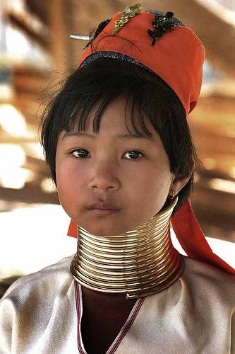 フリー画像| 人物写真| 子供ポートレイト| 少女/女の子| 外国の子供| 首長族| カレン族| タイ人|