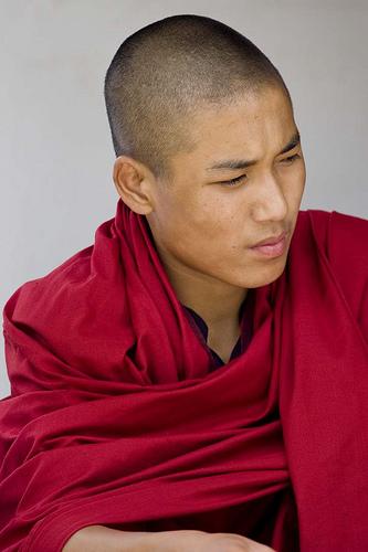 フリー画像| 人物写真| 男性ポートレイト| 外国人男性| ブータン人| お坊さん/僧侶|