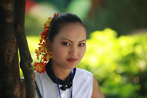 フリー画像| 人物写真| 女性ポートレイト| アジア女性| 中国人| 花飾り|