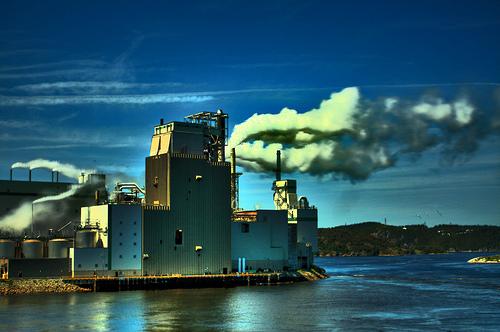 フリー画像| 人工風景| 建造物/建築物| 工場の風景| 煙/スモーク| HDR画像|