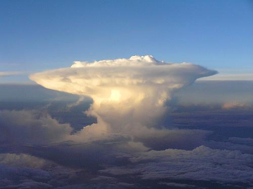 フリー画像| 自然風景| 空の風景| 雲の風景| キノコ雲|