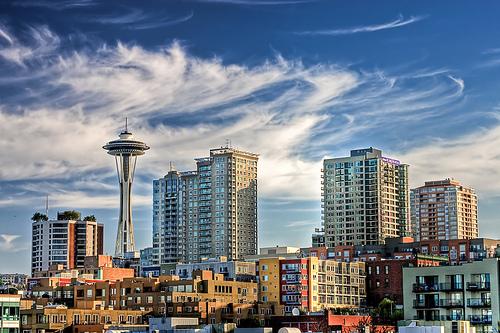 フリー画像| 人工風景| 建造物/建築物| 街の風景| ビルディング| 雲の風景| アメリカ風景| シアトル|