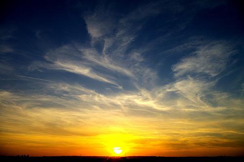 フリー画像| 自然風景| 空の風景| 夕日/夕焼け/夕暮れ| 雲の風景|
