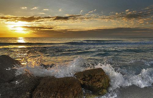 フリー画像| 自然風景| 海の風景| 夕日/夕焼け/夕暮れ| 水平線/地平線| 海岸の風景|