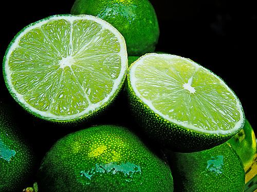 フリー画像| 食べ物| 野菜| すだち/スダチ| 緑色/グリーン|
