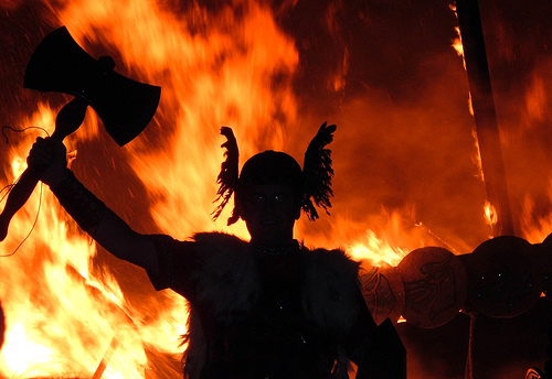 フリー画像| 人物写真| 一般ポートレイト| シルエット| 海賊/バイキング| 火/炎|