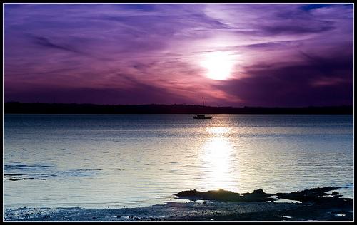 フリー画像| 自然風景| 海の風景| 水平線/地平線| 夕日/夕焼け/夕暮れ| 紫色/パープル|