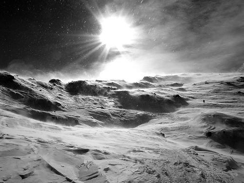 フリー画像| 自然風景| 山の風景| 雪景色| モノクロ写真|