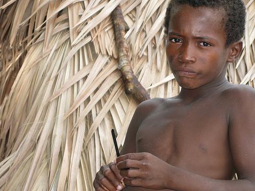 フリー画像| 人物写真| 子供ポートレイト| 少年/男の子| 外国の子供| アフリカの子供| マダカスカル人|