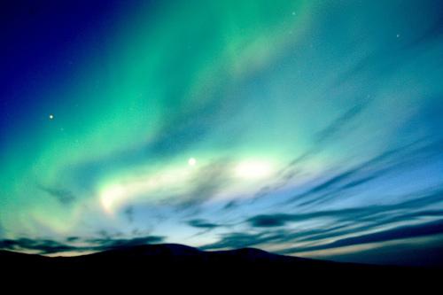 フリー画像| 自然風景| 空の風景| オーロラ| 夜景| アイスランド風景| 緑色/グリーン|