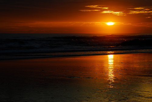フリー画像  自然風景  海の風景  水平線/地平線  橙色/オレンジ  夕日/夕焼け/夕暮れ  ビーチ/海辺  コスタリカ風景 