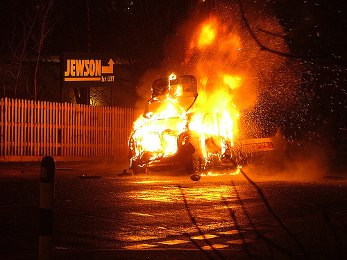 フリー画像| ニュース系| 火事/火災| 火/炎| 自動車|