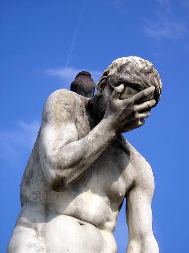フリー画像| 人工風景| 彫刻/彫像| 落胆/落ち込む| 目を覆う|