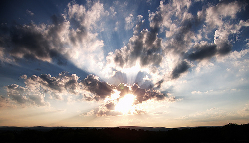 フリー画像| 自然風景| 空の風景| 雲の風景| 太陽光線|
