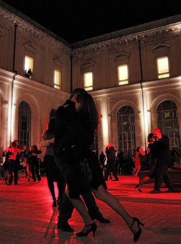 フリー画像| 一般ポートレイト| 人物写真| 恋人/カップル| 踊り/ダンス| 社交ダンス| 赤色/レッド|
