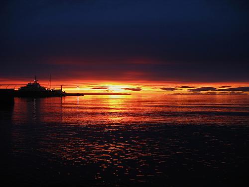 フリー画像| 自然風景| 海の風景| 夕日/夕焼け/夕暮れ| 水平線/地平線|