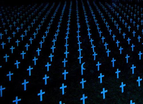 フリー画像| 戦争写真| 十字架| 墓地| 戦死者墓地|       フリー素材|