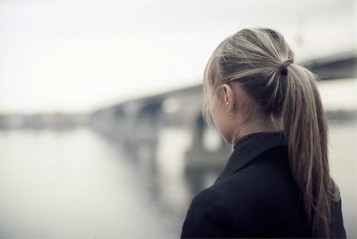 フリー画像| 人物写真| 女性ポートレイト| 後ろ姿| ポニーテール|       フリー素材|