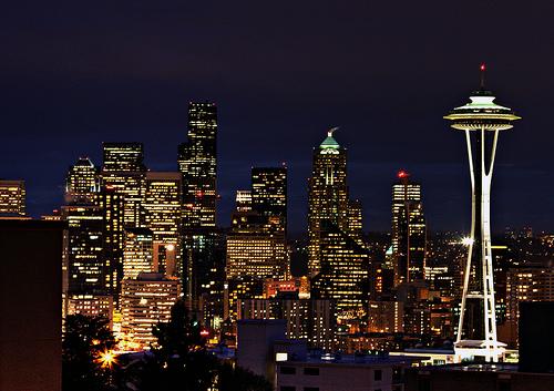 フリー画像| 人工風景| 建造物/建築物| 街の風景| 夜景| ビルディング| アメリカ風景| シアトル|    フリー素材|