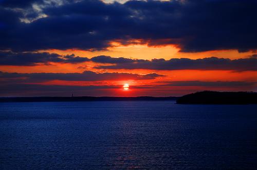 フリー画像| 自然風景| 雲の風景| 夕日/夕焼け/夕暮れ| 水平線/地平線|       フリー素材|