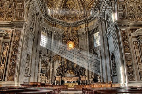 フリー画像| 人工風景| 建造物/建築物| 教会/聖堂| インテリア| 太陽光線| HDR画像| イタリア風景| バチカン|   フリー素材|