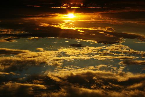 フリー画像| 自然風景| 空の風景| 雲の風景| 夕日/夕焼け/夕暮れ| 橙色/オレンジ|      フリー素材|