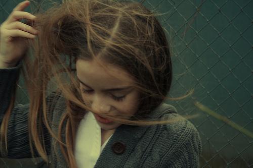 フリー画像| 人物写真| 子供ポートレイト| 外国の子供| 少女/女の子| ロングヘアー|      フリー素材|