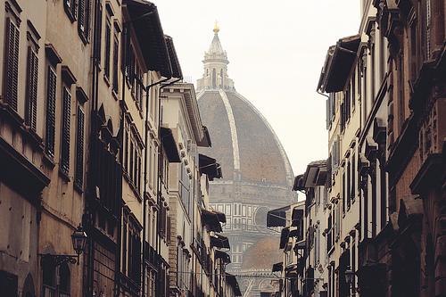 フリー画像  人工風景  建造物/建築物  街の風景  教会/聖堂  イタリア風景       フリー素材 