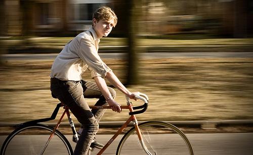 フリー画像| 人物写真| 男性ポートレイト| 外国人男性| イケメン| 自転車|      フリー素材|