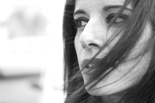 フリー画像| 人物写真| 女性ポートレイト| 白人女性| モノクロ写真| イタリア人|      フリー素材|