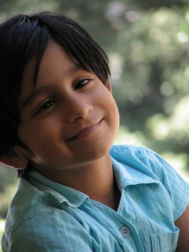 フリー画像| 人物写真| 子供ポートレイト| 外国の子供| 少年/男の子| 笑顔/スマイル|      フリー素材|