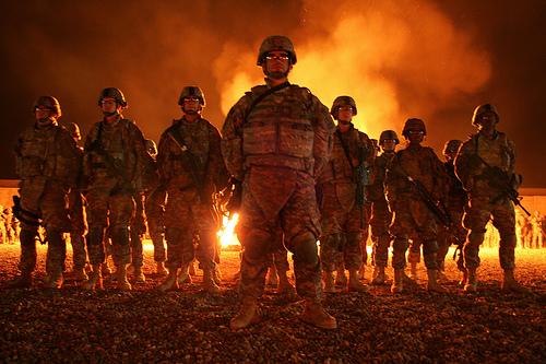 フリー画像| 戦争写真| 兵士/ソルジャー| 人物写真| 夜景|       フリー素材|