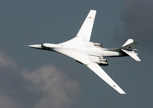 フリー画像| 航空機/飛行機| 軍用機| 爆撃機| Tu-160 ベールイ・レーベチ| Tu-160 ブラックジャック|      フリー素材|