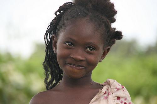 フリー画像| 人物写真| 子供ポートレイト| 外国の子供| 少女/女の子| アフリカの子供| ザンビア人|     フリー素材|