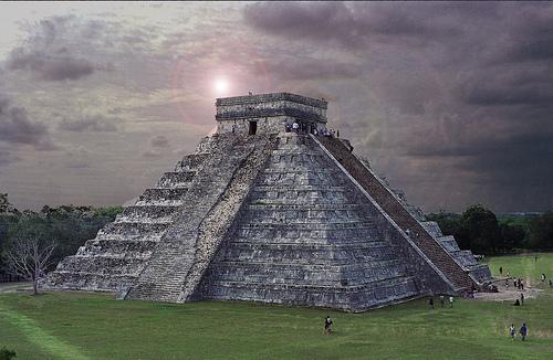 フリー画像| 人工風景| 建造物/建築物| ピラミッド| チチェンイツァ| メキシコ風景| 世界遺産/ユネスコ|     フリー素材|