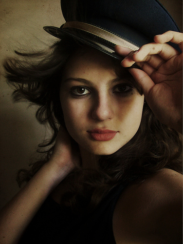 フリー画像| 人物写真| 女性ポートレイト| 白人女性| 帽子|       フリー素材|