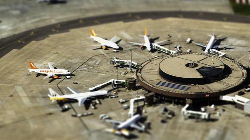 フリー画像| 航空機/飛行機| 飛行場| 旅客機 ティルト・シフト|       フリー素材|