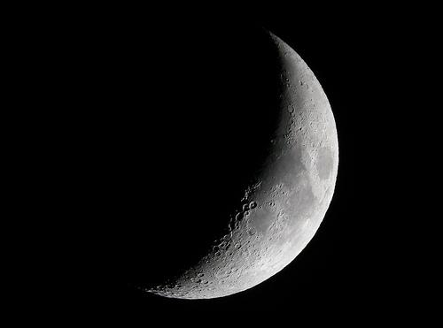 フリー画像| 自然風景| 月の風景| 空の風景| 夜空の風景| 夜景| 三日月|     フリー素材|